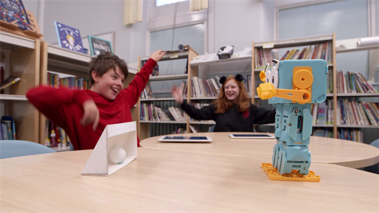 marty_the_robot_carousel3 Lioncrest Education - The educational benefits of robots in the classroom