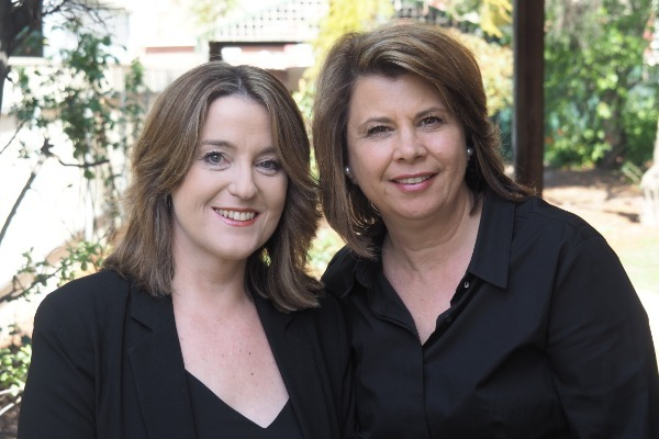 Lisa_and_Nicole.JPG