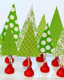 holiday_centerpiece_idea_hershey_kiss_mas_tree_forest_wine_corks_13_of_14_2_1600796516.jpg