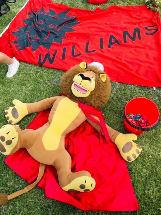 House sports -Williams 2