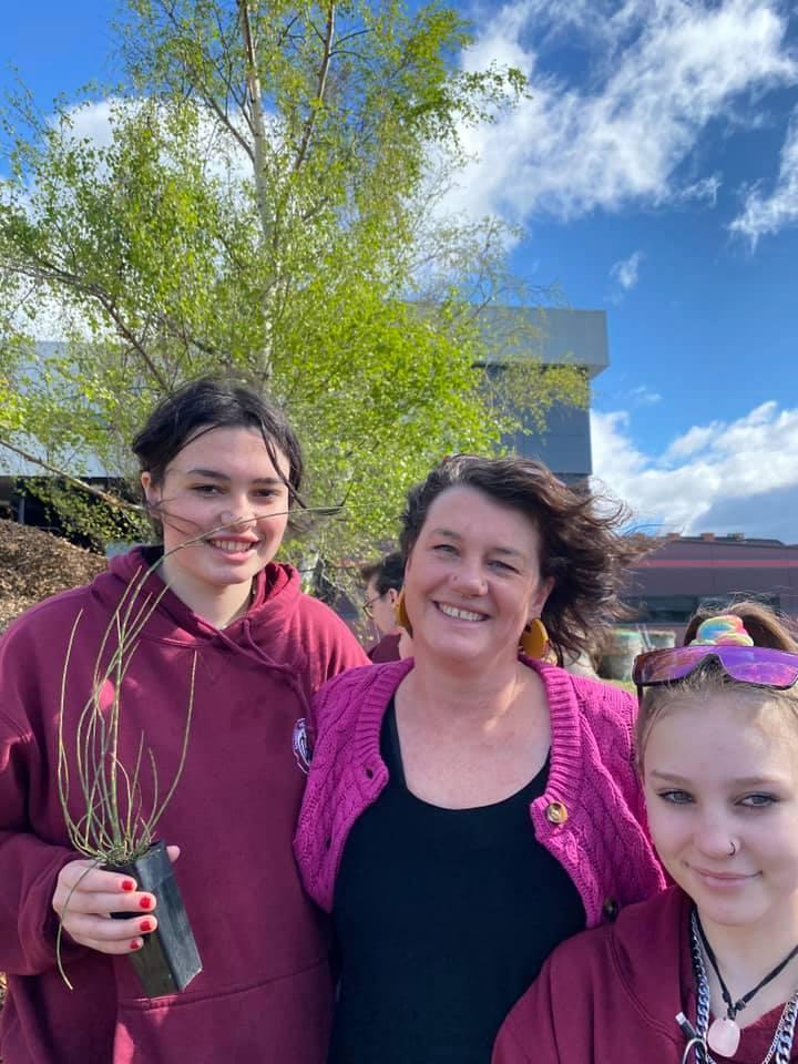 Aboriginal planting 3