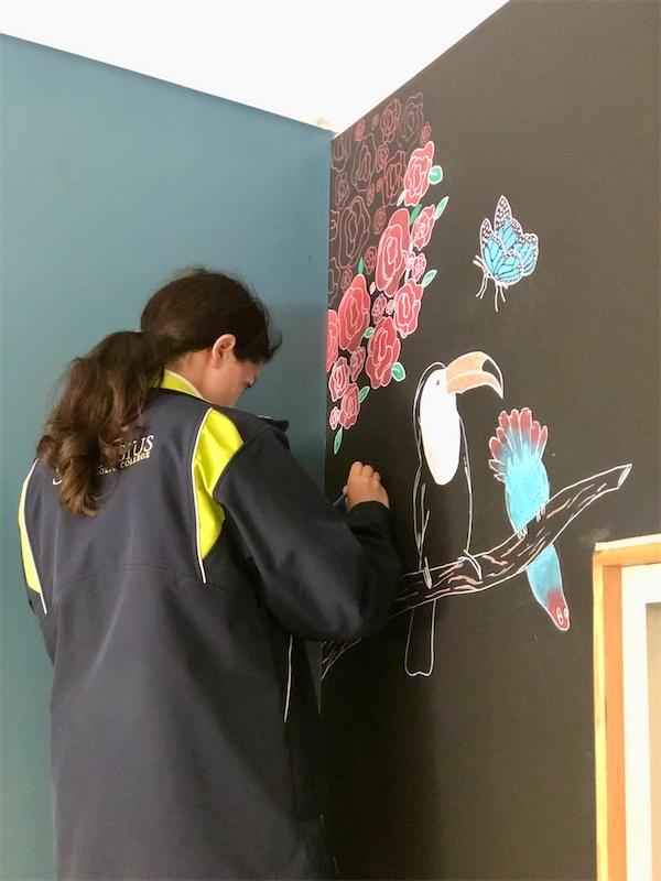 Bella Wood working on her chalk mural(1)