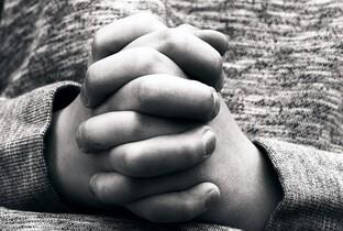 Praying_hand_child.jpg