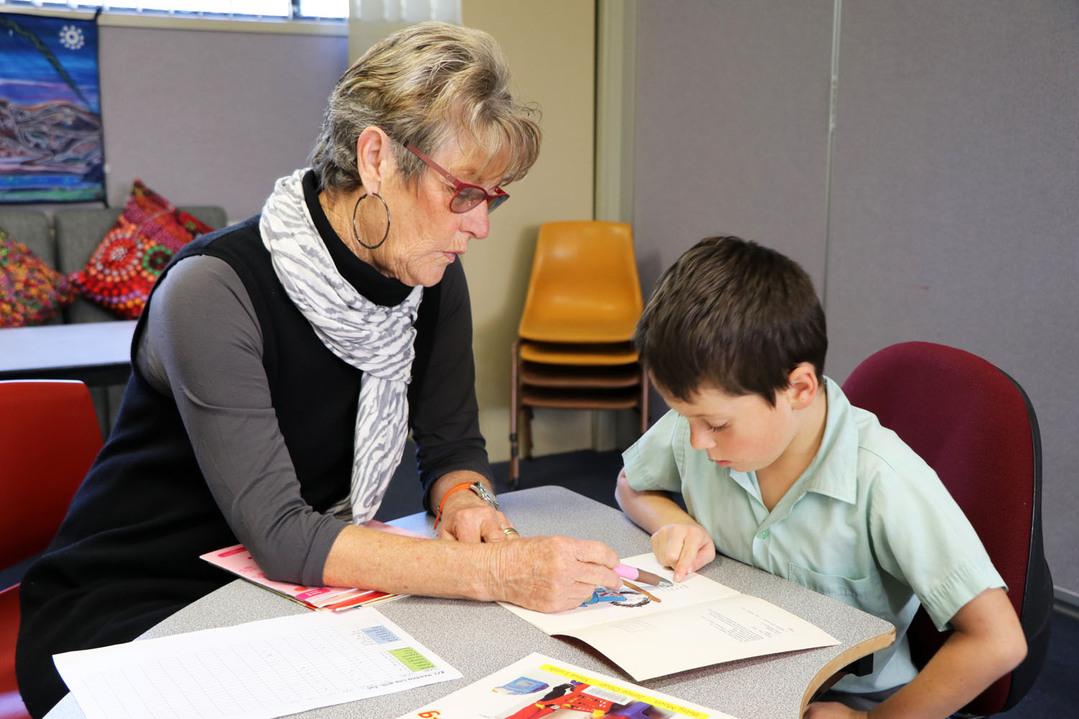teacher tutoring