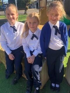 Girls uniform2