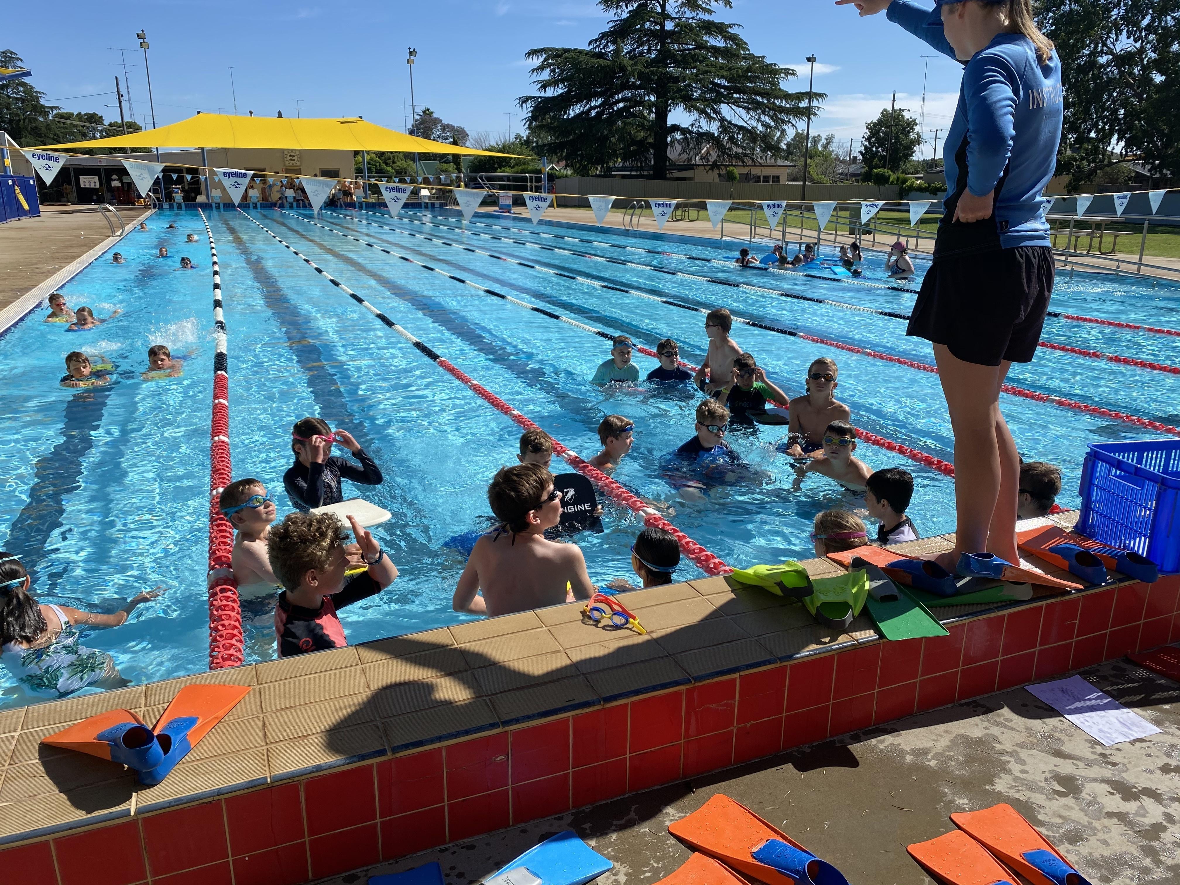 Intensive Swimming (8)