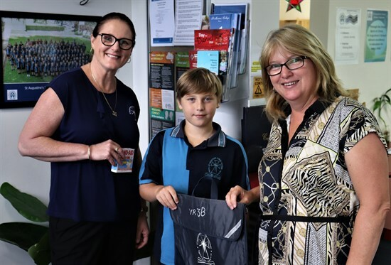 Mrs Tess Walker, Ky, Mrs Tanya Santarossa