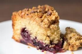 Cherry_crumble_cake.jpg