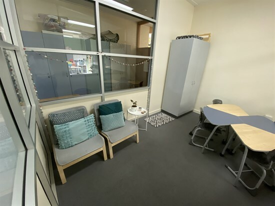 Year 6 - new furniture - April 2021 (3)