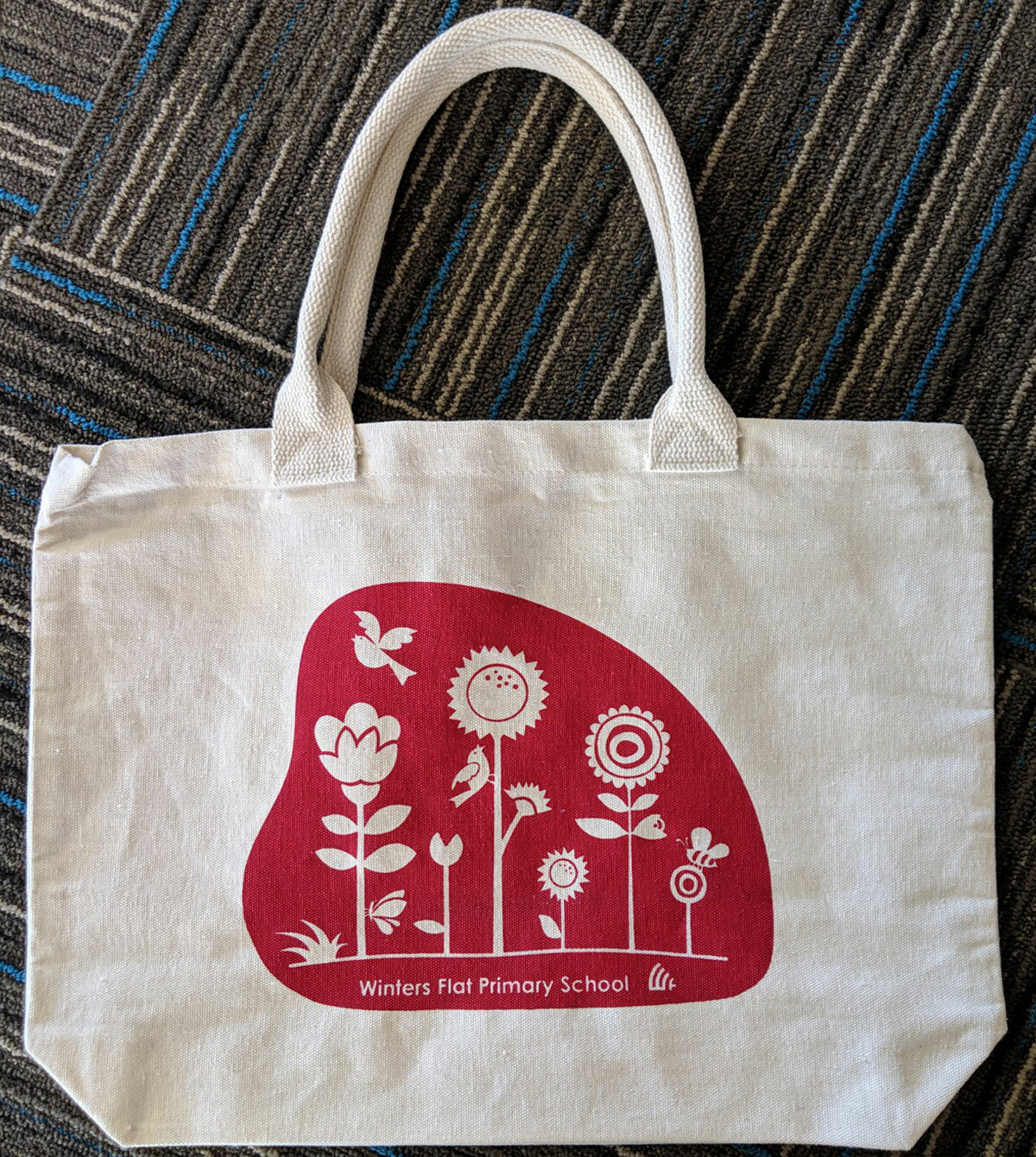 tote-red